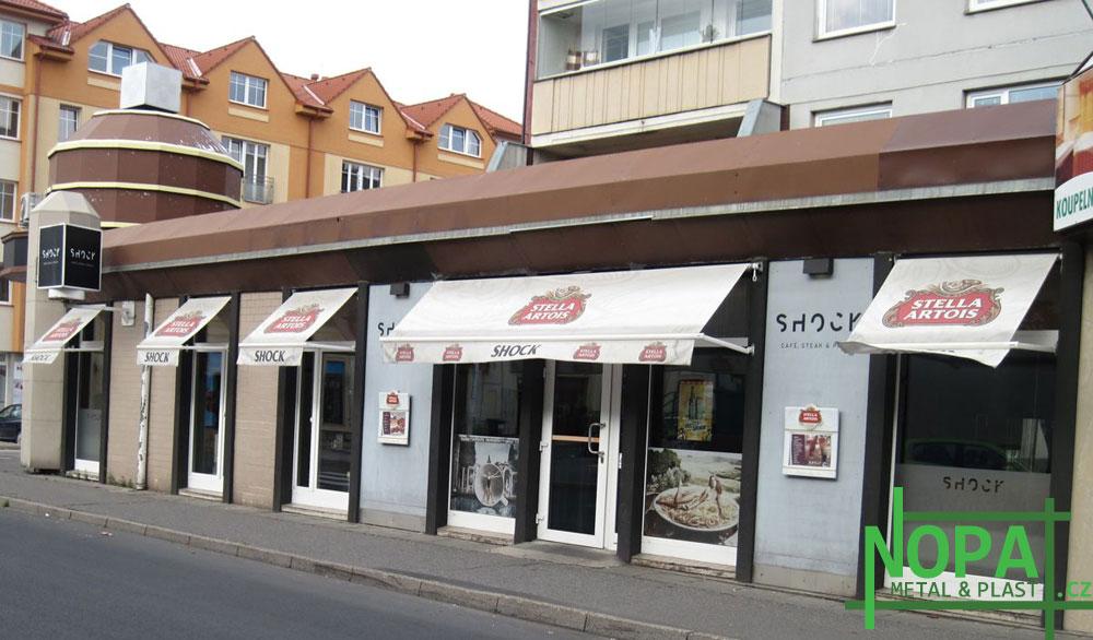 Kladno - restaurace Shock - plastové stěny a vchodové dveře